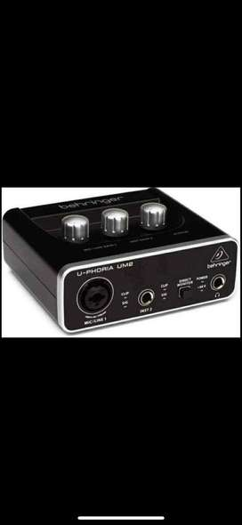 Interface Behringer U-phoria Um2 Pre-amp Xenyx