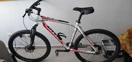 Vendo bicicleta Giant Rin 27.5 MTB drive marco elite ATX freno de disco hidráulico y amortiguador grupo Shimanotourneytx