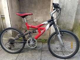 Vendo bicicleta mountain bike, rodado 20.