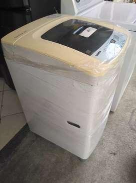 Lavadora digital LG turbodrum 24 libras usada en muy buen estado