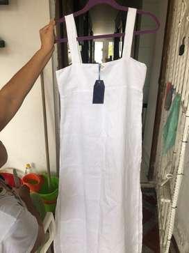 Vestido en lino blanco