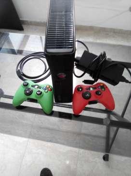 Xbox 360 dos controles buen estado
