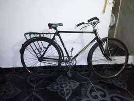 Se vende bicicleta de turismo  precio : 200.000 mil pesos Neiva huila