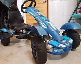 Se vende carrito de pedal para niño