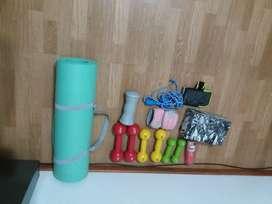 Conjunto de pesas y alfombra y tela para acrobacias