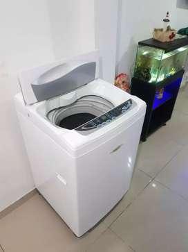 Se vende lavadora Electrolux de 20 libras