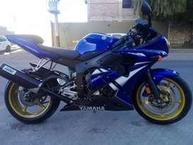 Yamaha R6 Edición limitada azul.
