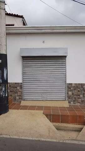 ARRIENDO LOCAL COMERCIAL CON HABITACIÓN Y BAÑO EN VILLA DEL ROSARIO