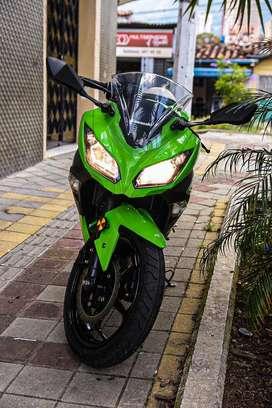 Kawasaki ninja 250 en perfecto estado