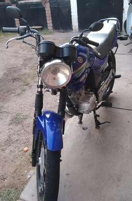 Se vende moto YBR en muy buen estado