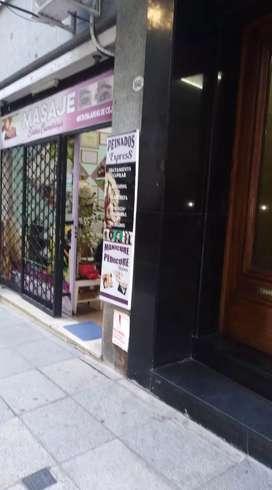 Venta de fondo de comercio peluquería 2 gabinetes. Baño. Antebaño. Bien ubicado en Almagro. Buena clientela