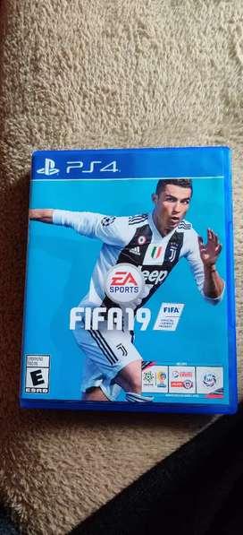Vendo FIFA 19 para PS4