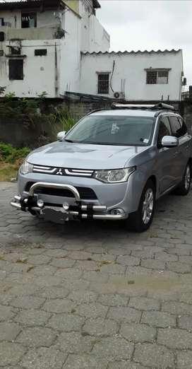 Mitsubishi outlander como nuevo