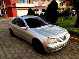Vendo Mercedes Benz C240