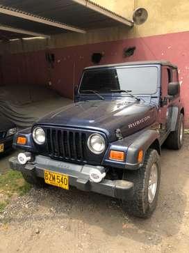 se vende jeep rubicon excelente estado papeles al día listo para traspaso