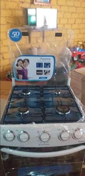 Se vende cocina de 4 hornillas con horno marca coldex color blanco