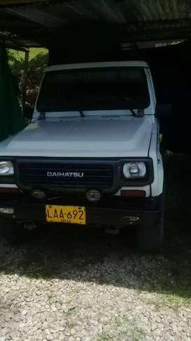Carro Dahiatsu Rocky 4×4