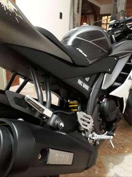 Vendo Yamaha r15v2 modelo 2019 con 12.000 kilometros se encuentra 10 de 10 gangaso
