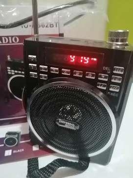 Radio portable FM Bluetooth MP3  batería recargable USB adaptador microcrofono en la cava del libro