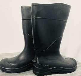Botas impermeables de caucho Americanas para hombre talla 40 $50