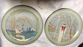 2 Platos de porcelana con escena de mujeres retro en colores pastel !18CM DIAM