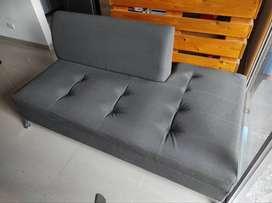 Se vende sofá con tela antirasguño