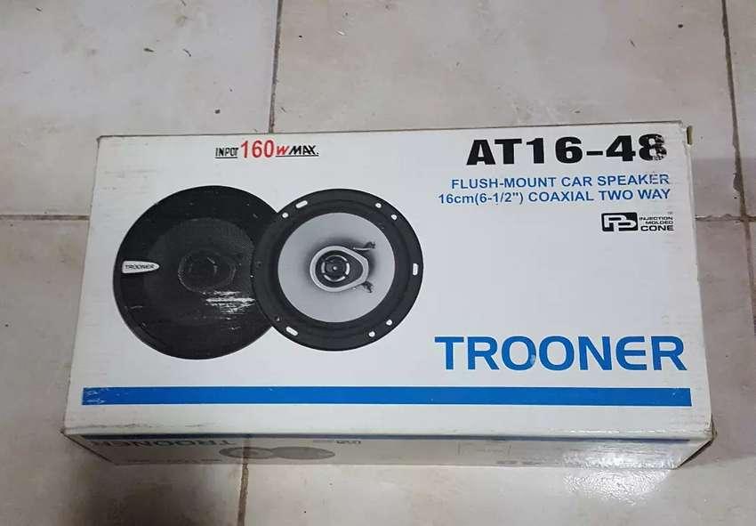 Parlantes para auto Trooner AT-1648 0