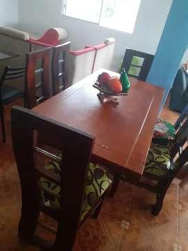 Juego de comedor de 6 sillas en buen estado