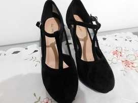 vendo cambio permuto zapatos de mujer 39 en gamuza negros,