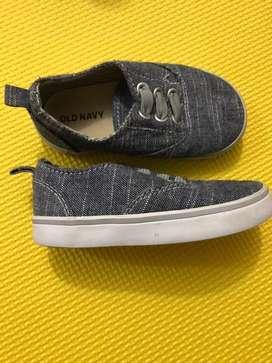Zapatos para niño old navi talla 6 americano