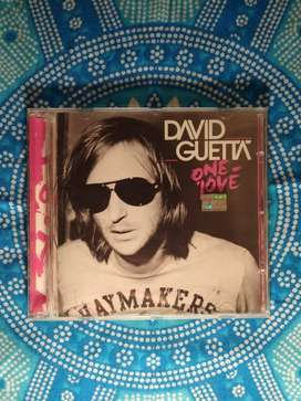 "cd ""One love"" David Guetta"