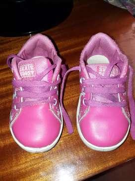 Vendo zapatillas para nena