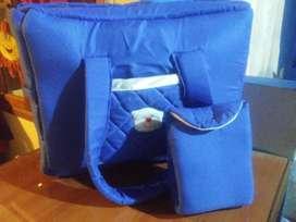 bolso  y cambiador de bebé azul francia $800