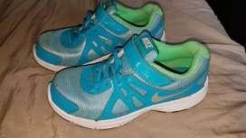 Nike zapatos talla 33