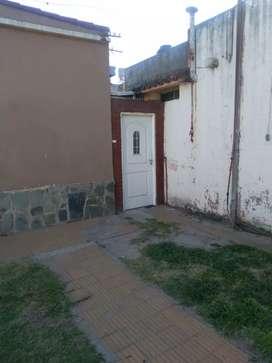 Alquilo departamento en Monte Vera