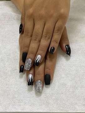 Requiero manicurista profesional