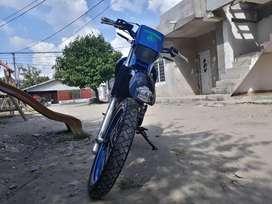 VENDO MOTO YAMAHA XT225