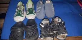 Vendo 2 zapatillas talle 25y26 y 2 ojotas talle 22