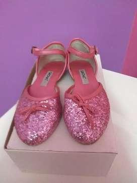 Zapatos num 30, de nena color rosa impecables!