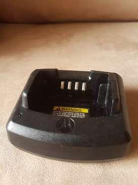 Canastas cargadores radio teléfonos Motorola Ep150