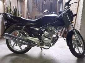 Moto Honda storm poco uso. 21.400 km reales