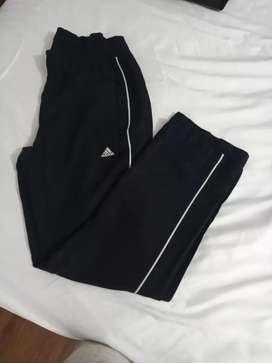 Pantalon Adidas talla xs