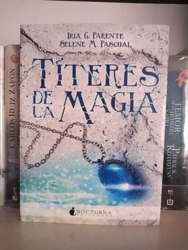 Títeres de la magia Iria G. Parente Selene M. Pascual Libro