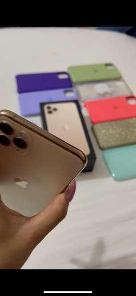 Iphone 11 pro max, unica dueña, perfecto estado, solo 8 meses de uso, cargador original, caja y seis forros