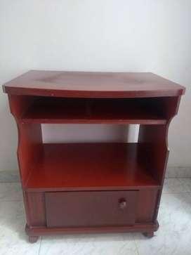 Se vende Mesa para televisor
