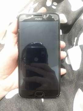 Se vende Motorola E4 Plus