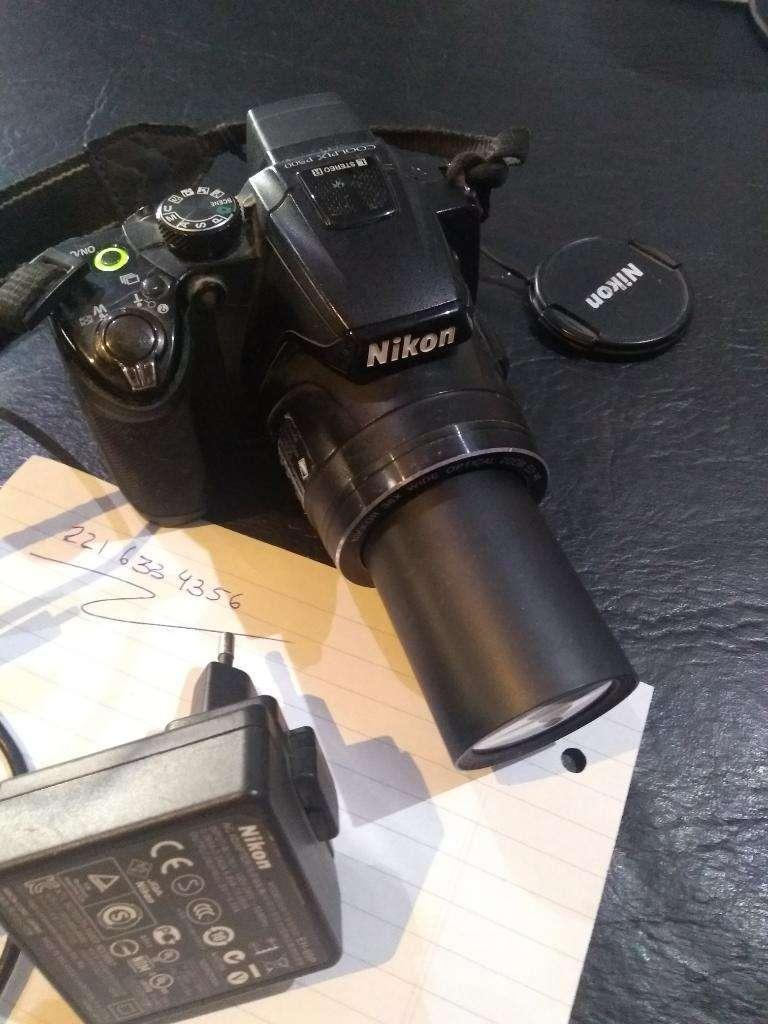 Camara Nikon Coolpix P500 0