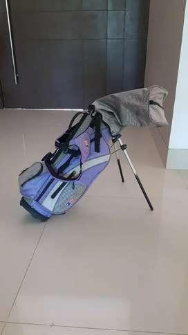 Talega y Palos de golf niña