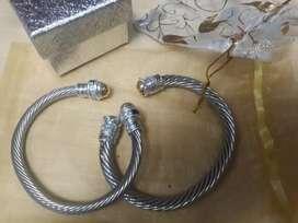 Aros en plata y oro