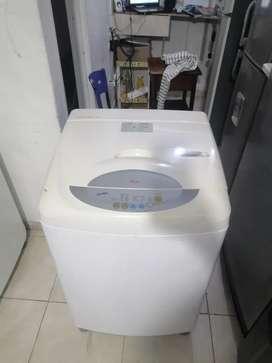 Lavadora Lg ecológica, blanca, digital, buen estado, buen funcionamiento